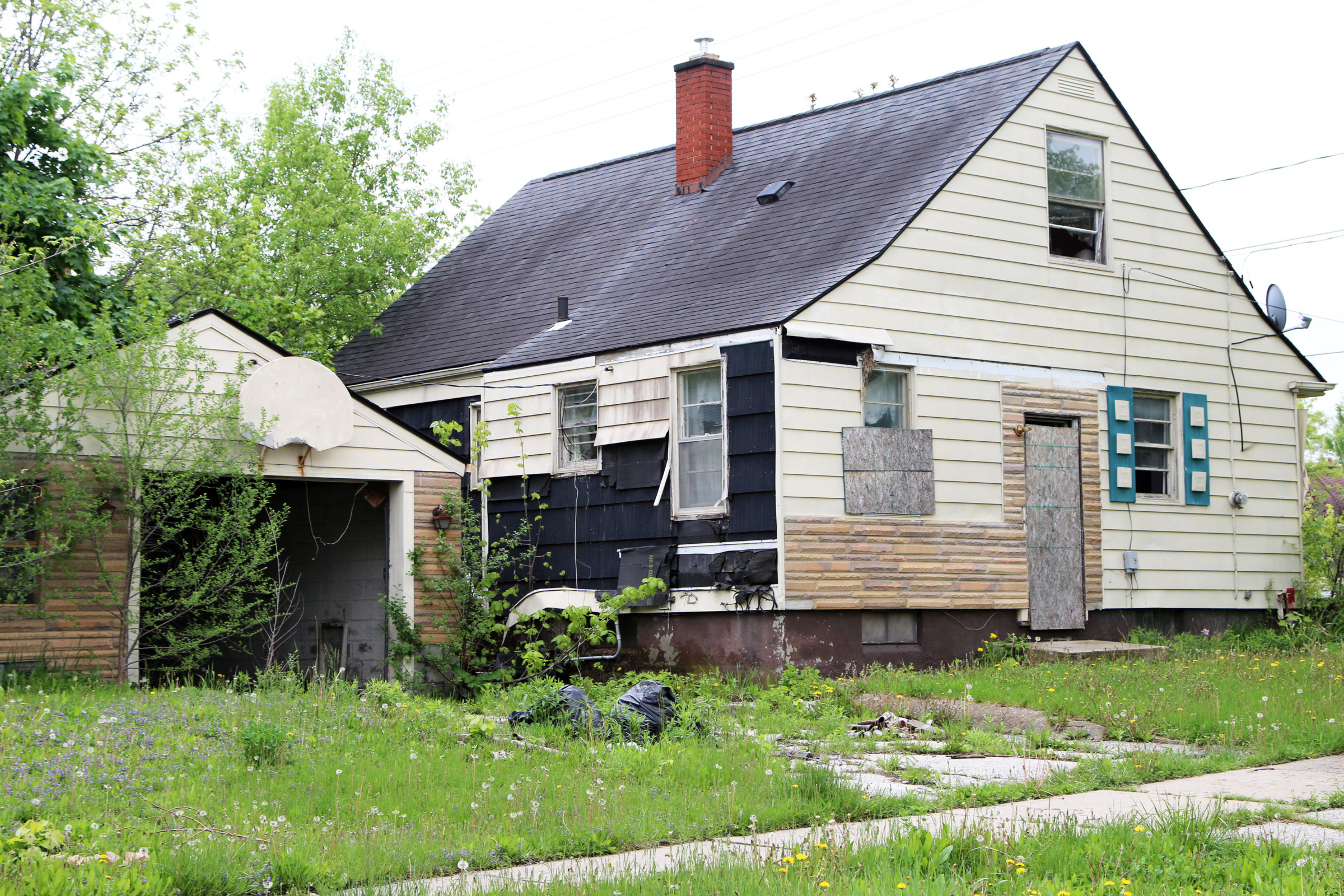 Should I Sell My House As Is Or Fix It Up?